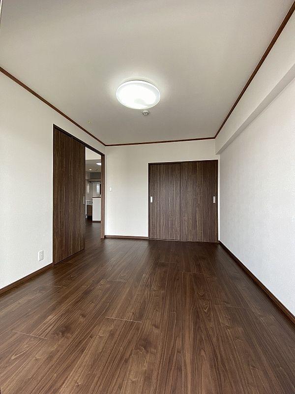 洋室に変更 扉の向きを横に変更