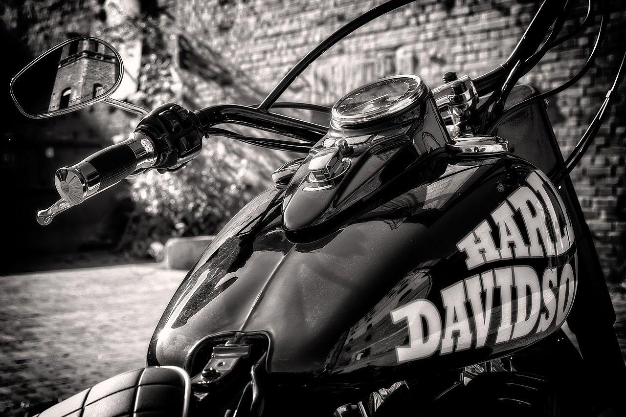 大切なハーレーを守るバイクボックス 1台分募集